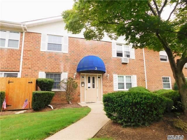 460 Old Town Rd #3-0, Pt Jefferson Sta, NY 11776