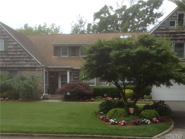 1030 Links Rd, Woodmere, NY 11598
