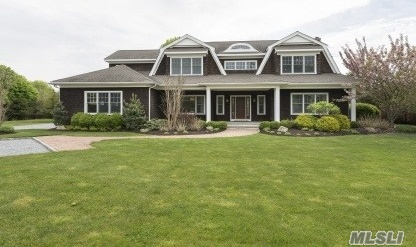 50C Tanners Neck Ln, Westhampton, NY 11977