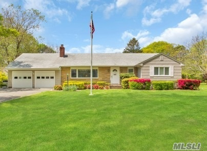 172 Durkee Ln, E Patchogue, NY 11772