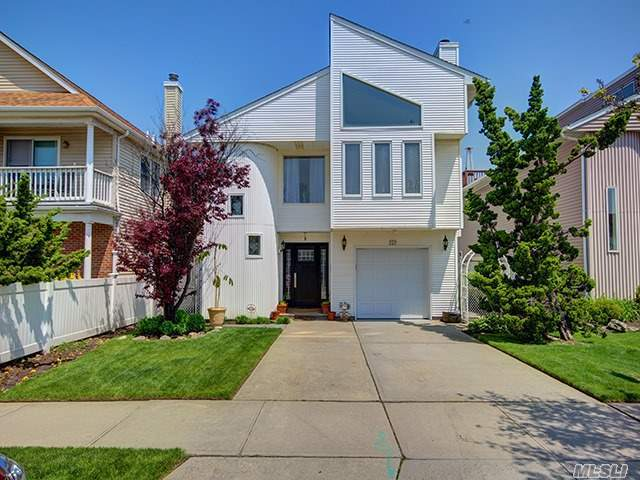 223 W Pine St, Long Beach, NY 11561