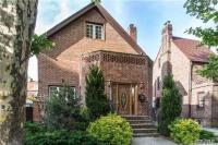71-35 Harrow St, Forest Hills, NY 11375