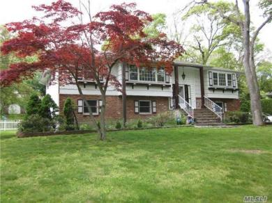 165 Town Line Rd, E Northport, NY 11731