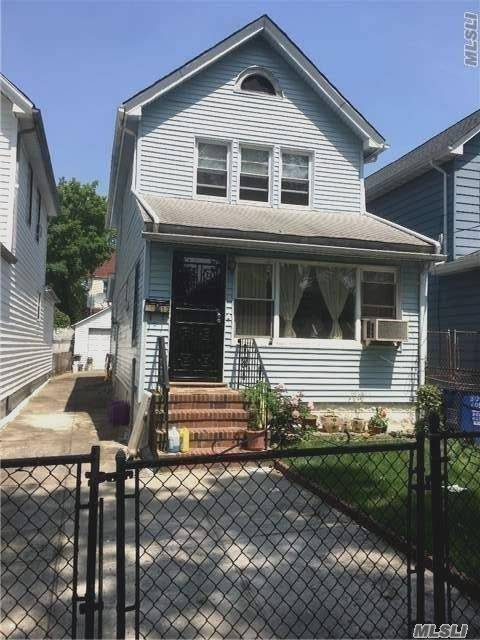 90-13 209th St, Queens Village, NY 11428