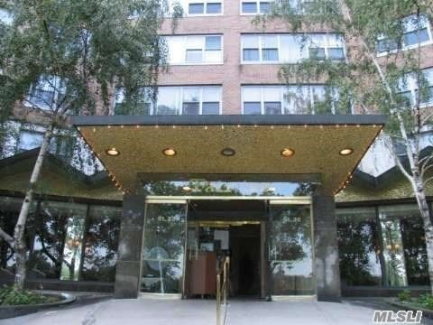 61-20 Grand Central Pky #A808, Forest Hills, NY 11375