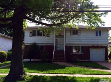 1388 Forest Ave, N Baldwin, NY 11510