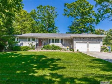 6 Blue Bell Ln, Northport, NY 11768