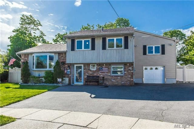 1366 Liberty Ave, N Bellmore, NY 11710