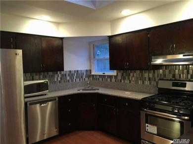 2441 6th Ave, East Meadow, NY 11554