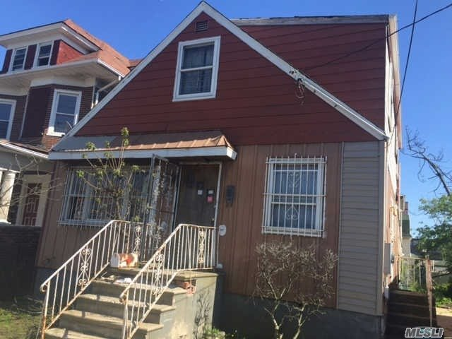 67-07 Beach Channel Dr, Arverne, NY 11692