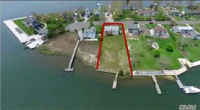 139 Crystal Beach Blvd, Moriches, NY 11955