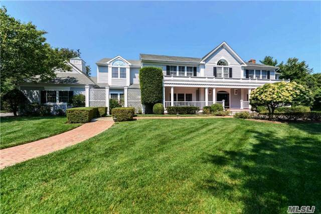 9 Fox Meadow Ln, Lloyd Harbor, NY 11743