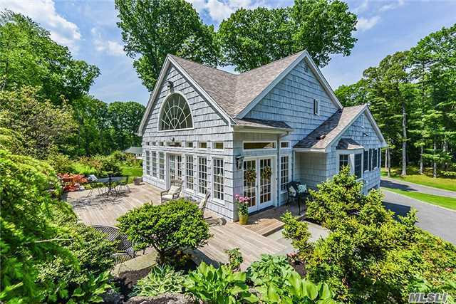 20 Sunken Orchard Ln, Oyster Bay Cove, NY 11771