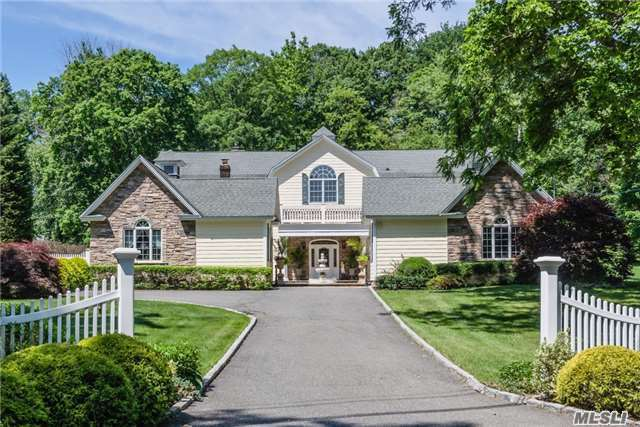 40 Sunken Orchard Ln, Oyster Bay Cove, NY 11771