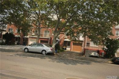 102-31 62 Dr, Forest Hills, NY 11375