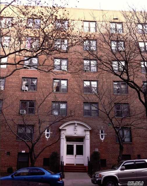 34-15 74 St #5d, Jackson Heights, NY 11372