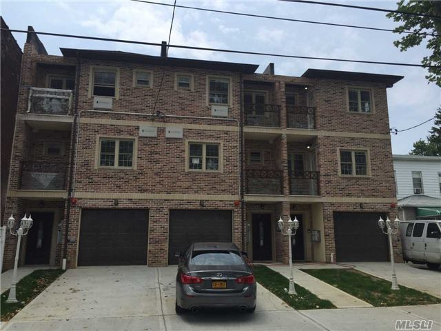 86-20 124 St, Richmond Hill, NY 11418