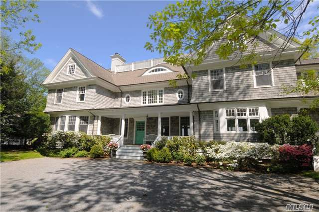 84 Cove Rd, Oyster Bay Cove, NY 11771