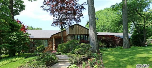 6 The Tulips, Roslyn Estates, NY 11576