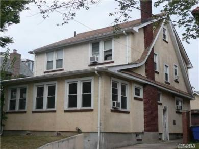 108-37 70th Ave, Forest Hills, NY 11375
