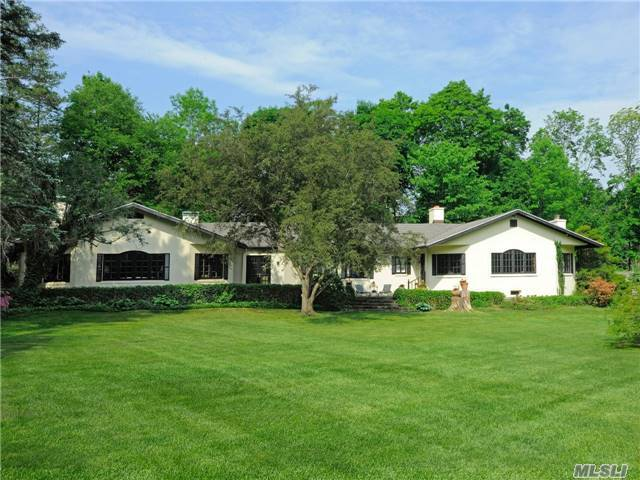 6 Meadow Dr, Out Of Area Town, NY 06831
