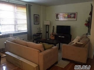 67-35 Yellowstone Blvd #5p, Forest Hills, NY 11375