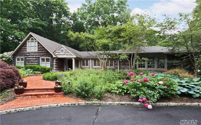 107 Turtle Cove Ln, Huntington, NY 11743