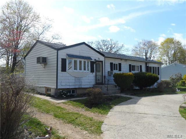 10 S 28th St, Wyandanch, NY 11798