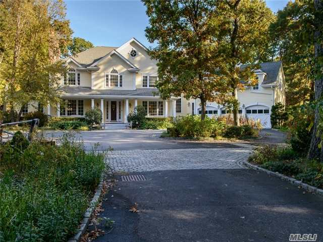 35 Wynn Ct, Muttontown, NY 11791