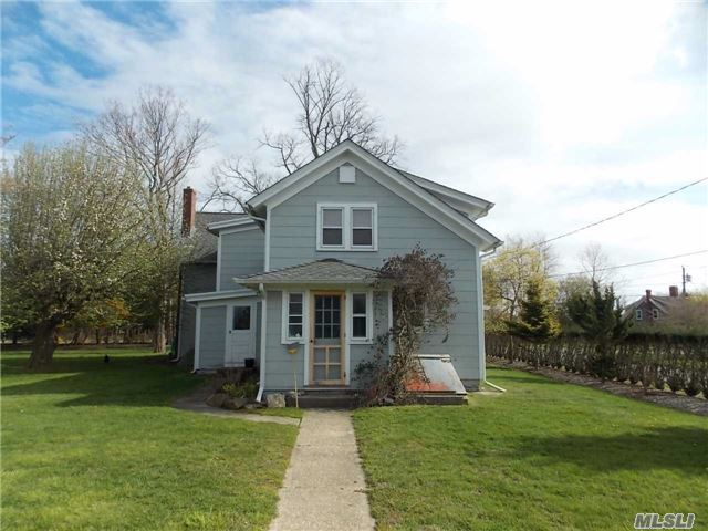1275 Orchard St, Orient, NY 11957