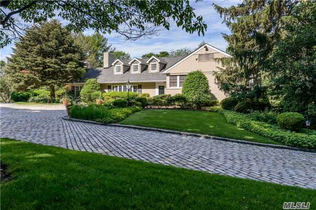 12 East Rd, Sands Point, NY 11050