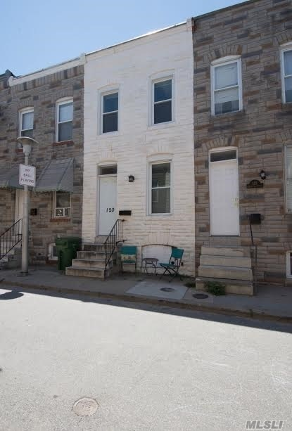 120 N Port St, Out Of Area Town, NY 21224