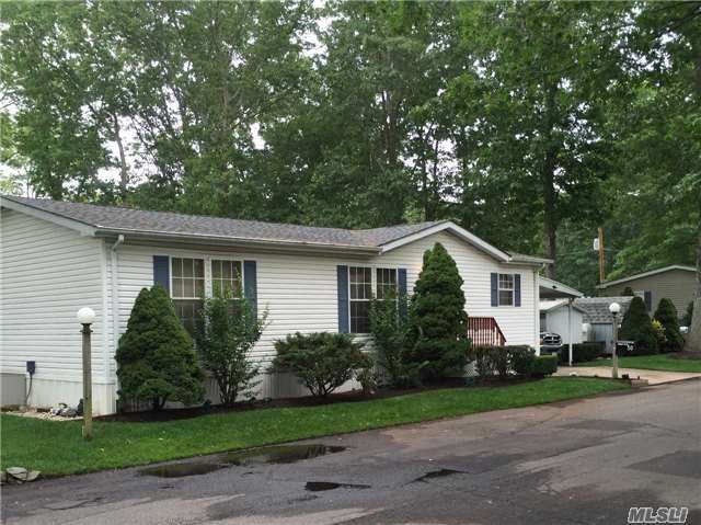 1661-50 Old Country Rd, Riverhead, NY 11901