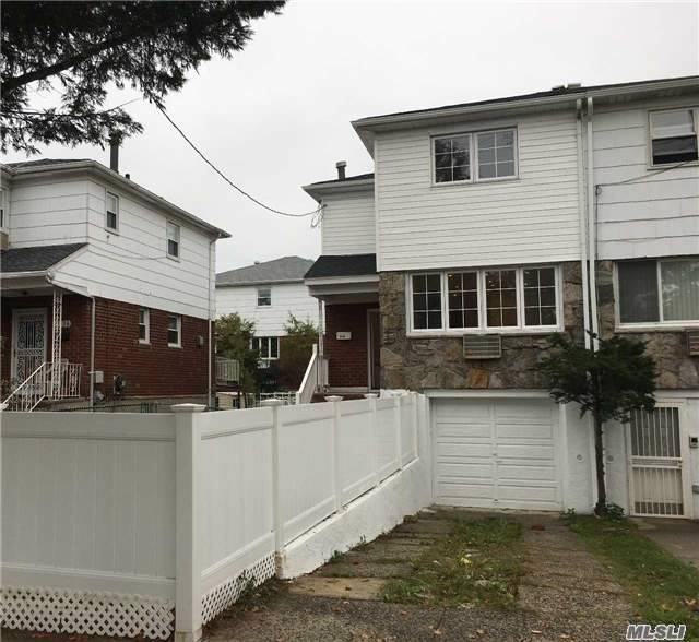 3134 Ampere Ave, Out Of Area Town, NY 10465