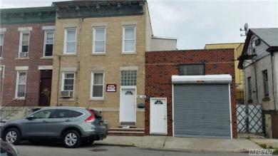 18-12 129 St, College Point, NY 11356