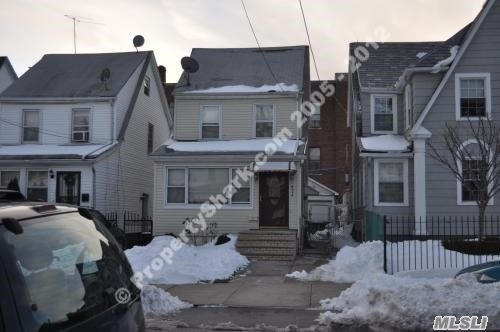 89-34 207th St, Queens Village, NY 11427
