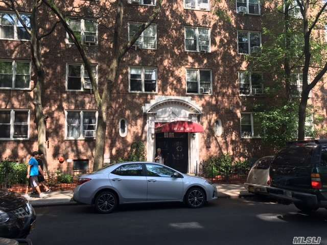 33-33 82nd St #3d, Jackson Heights, NY 11372