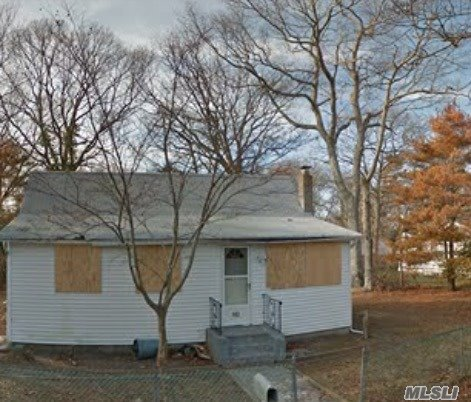 182 Washington Dr, Mastic Beach, NY 11951