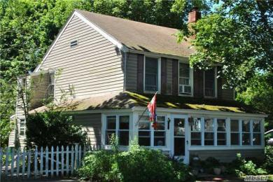 325 Bridge St, Greenport, NY 11944