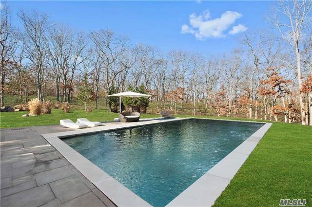 5 Woodhollow Dr, East Hampton, NY 11937