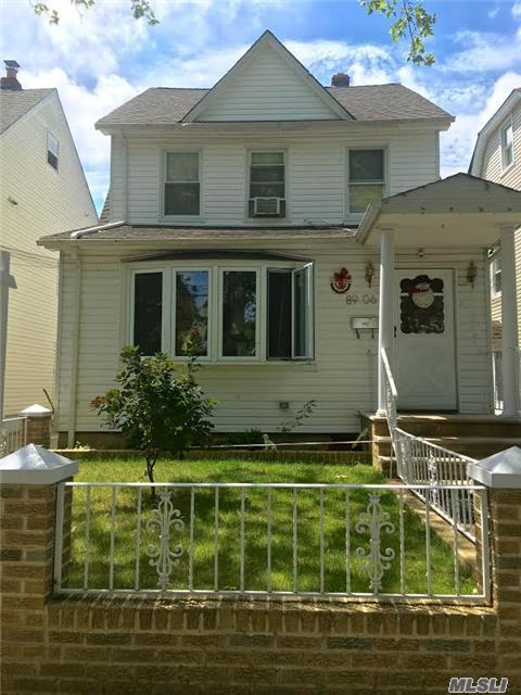 89-06 238th St, Bellerose, NY 11426