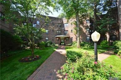 50 Brompton Rd #2r, Great Neck, NY 11021