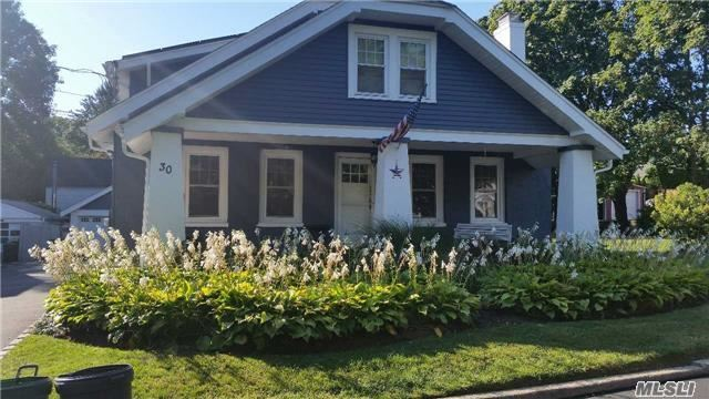 30 Sterling Ct, Huntington, NY 11743