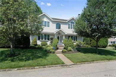 46 Shafter Ave, Albertson, NY 11507