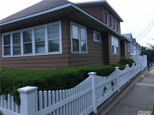 125-02 5th Ave, College Point, NY 11356