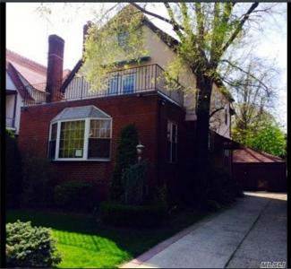 9811 Continental Ave, Forest Hills, NY 11375