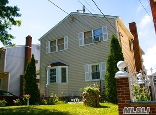 405 Brown Pl, New Hyde Park, NY 11040