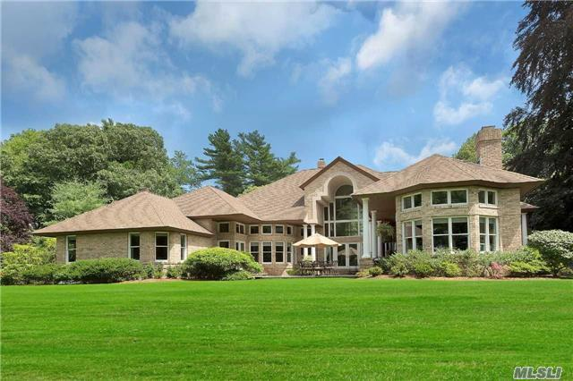 11 Saw Mill Ln, Cold Spring Hrbr, NY 11724