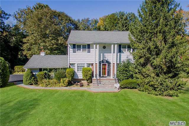 22 Eastview Ln, Old Brookville, NY 11545