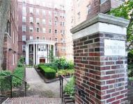 118-11 84th Ave #211, Kew Gardens, NY 11415